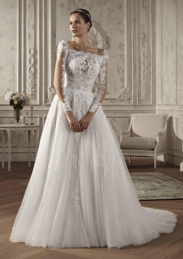 Rochie de mireasă stil prințesă din dantelă Chantilly, cu mâneci lungi